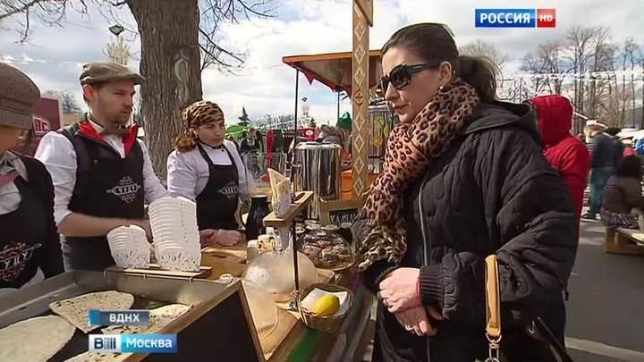 Московские фудтраки собрались на фестиваль на ВДНХ