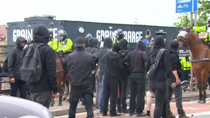 В Бристоле подрались сторонники и противники мигрантов