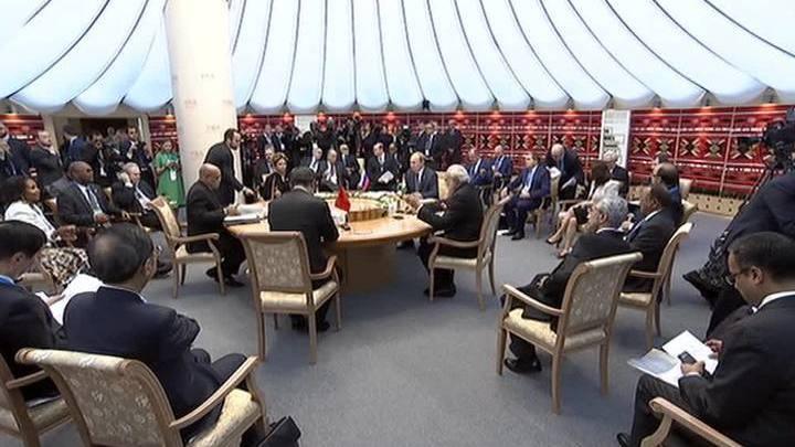 Саммит ШОС: в Ташкенте большая шестерка может официально стать восьмеркой