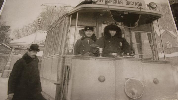 А вот и старинный трамвай конца XIXвека