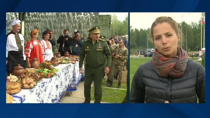 Шойгу продегустировал блюда полевой кухни на Армейских играх