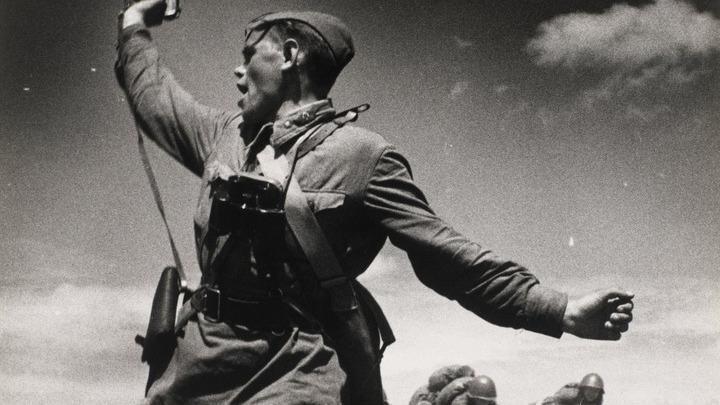 Политрук; Ельня и Великие Луки - первые победы Красной армии; 41-й год