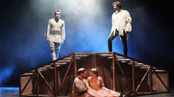 """В """"Мастерской Петра Фоменко"""" представили премьеру спектакля """"Генрих IV. Сцены"""""""