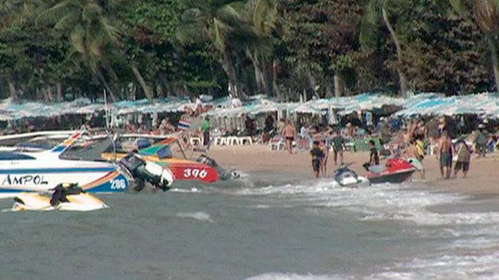 Тайские пляжи закрыли из-за португальских корабликов