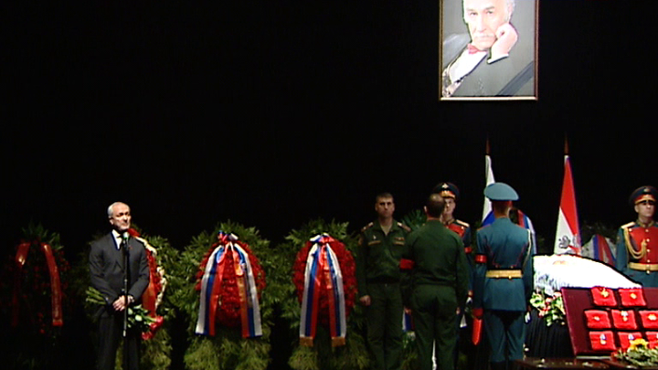 Прощание с эпохой: Владимира Зельдина проводили долгими овациями