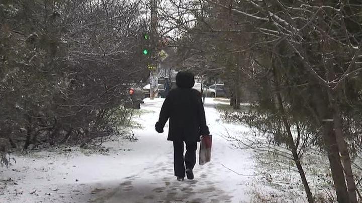 Зимний шторм в Крыму: задерживаются самолеты, не работает переправа