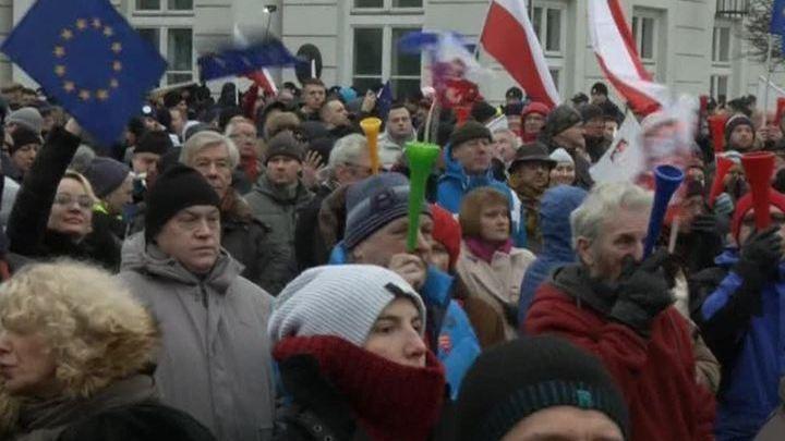 Протесты в Польше длятся вторые сутки