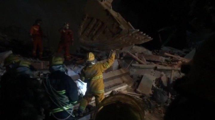 Оползень в Китае разрушил гостиницу, есть пострадавшие