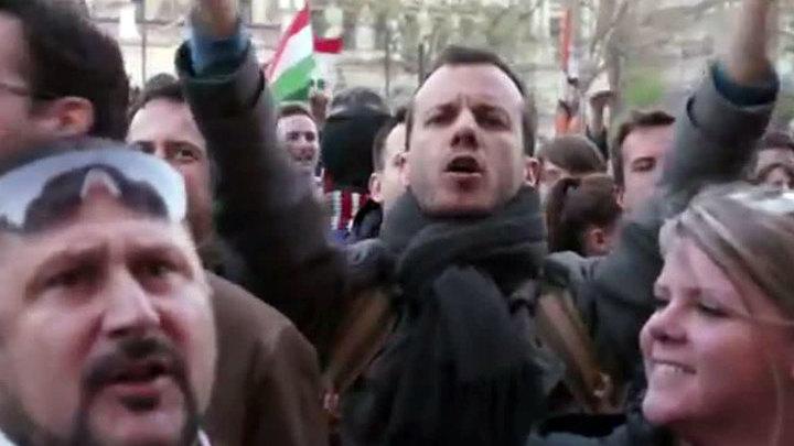 Венгры протестуют против закрытия университета Сороса