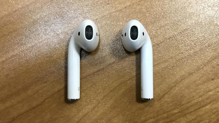 Жизнь без проводов  опыт использования наушников Apple AirPods 52305cc9b51d2