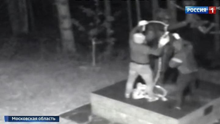 Очередное покушение на памятник в Мытищах: скульптуру пытались похитить