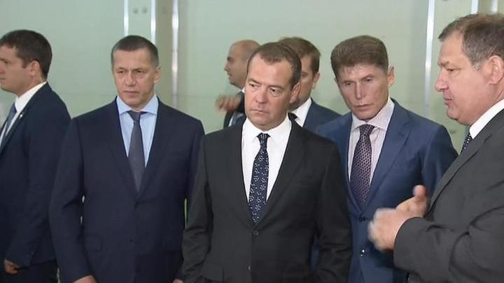 Медведев: нельзя допускать резких скачков цен на рыбу и морепродукты