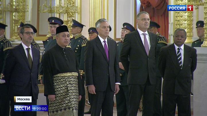 Путин выразил новому послу США неудовольствие двусторонними отношениями