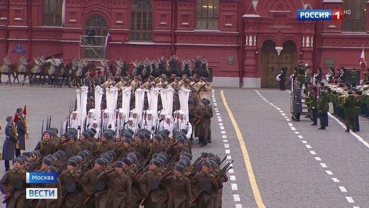 С Красной площади на фронт: в столице отметили годовщину парада 1941 года