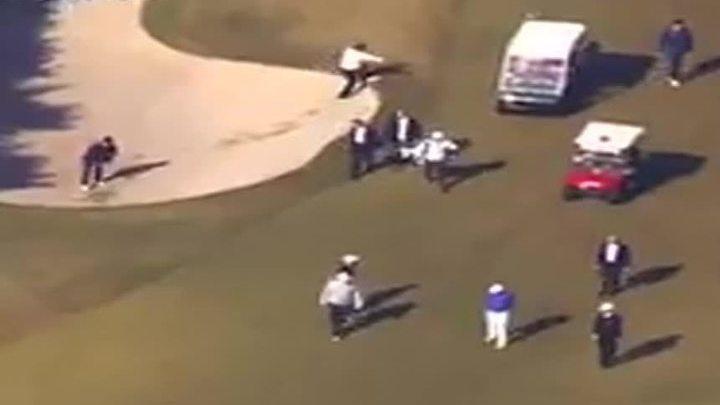Абэ упал в яму во время игры в гольф с Трампом
