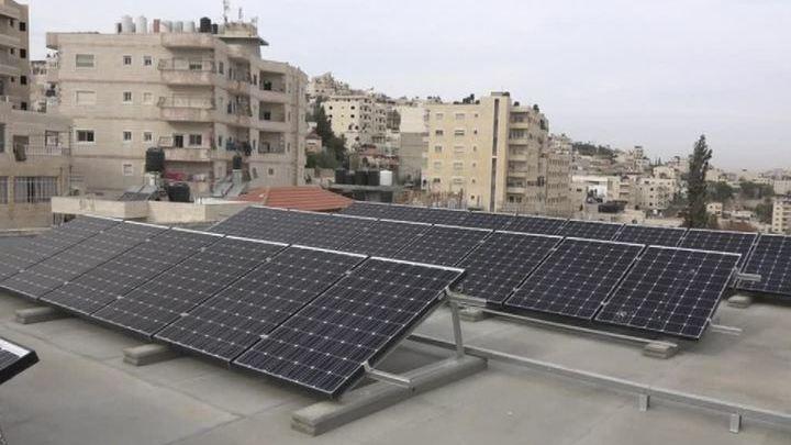 Да будет свет: русской школе в Палестине подарили электростанцию