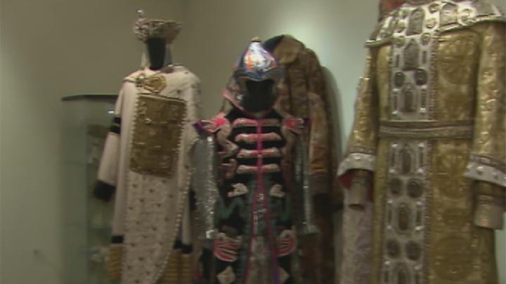 В Москве открылась выставка к 100-летию со дня рождения художника по костюмам Ольги Кручининой