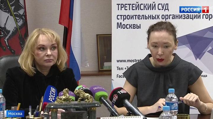 chas-suda-aktrisi-porno-foto-video-doma-pokazivaet-svoyu-kisku-porno-foto