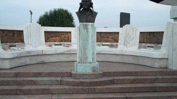 Мемориал Луи Шевроле на автодроме Индианаполис Мотор Спидвей