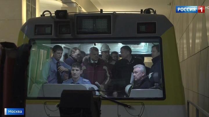 """Пробный поезд пущен: салатовая ветка продлена до станции """"Селигерская"""""""