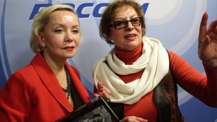 Актрисы Е. Германова и С. Коркошко в студии «Радио России».
