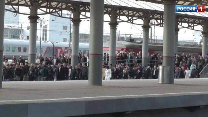 Тысячи пассажиров электричек Белорусского направления опоздали на работу