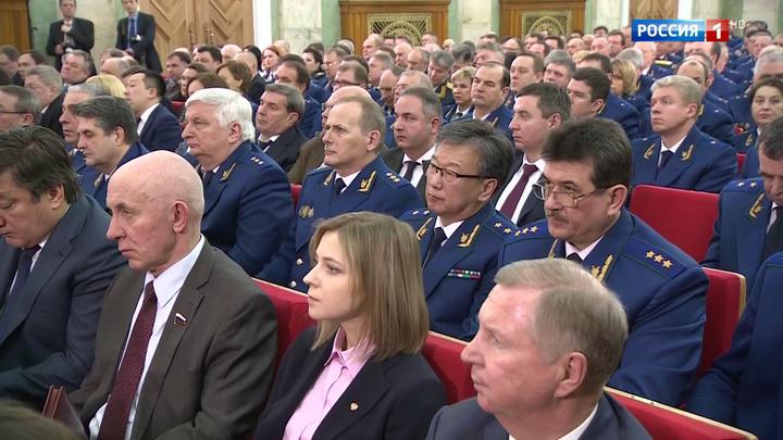 Путин потребовал от прокуроров защищать сирот и бизнесменов