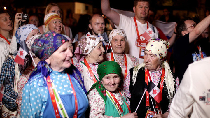"""Евровидение-2012. """"Бурановские бабушки""""/Eurovision 2012. """"Buranovskiye Babushki"""". На красной дорожке церемонии открытия"""