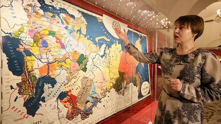 Вышитую карту Российской империи увидят жители Владивостока