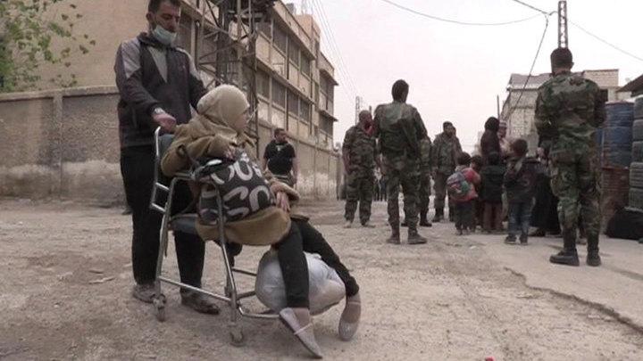 Пригород Дамаска покидают боевики и мирные жители