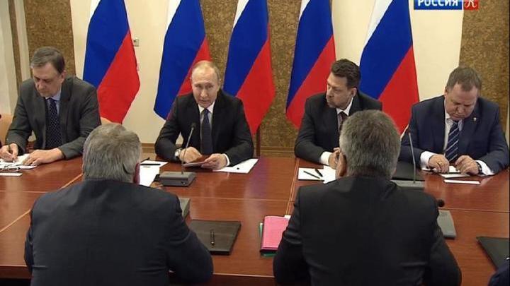 Владимир Путин осмотрел новейшие разработки в Курчатовском институте