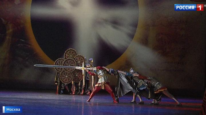 Симбиоз танца, стихов и музыки: в Большом - премьера спектакля о князе Владимире