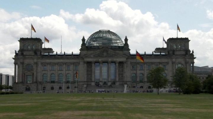 Пощечина для Меркель: юристы Бундестага признали незаконными западные удары по Сирии