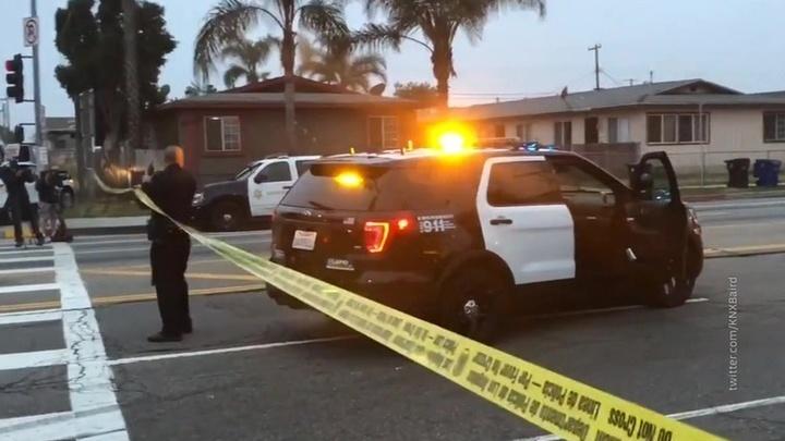 Неизвестный открыл стрельбу по людям в Калифорнии