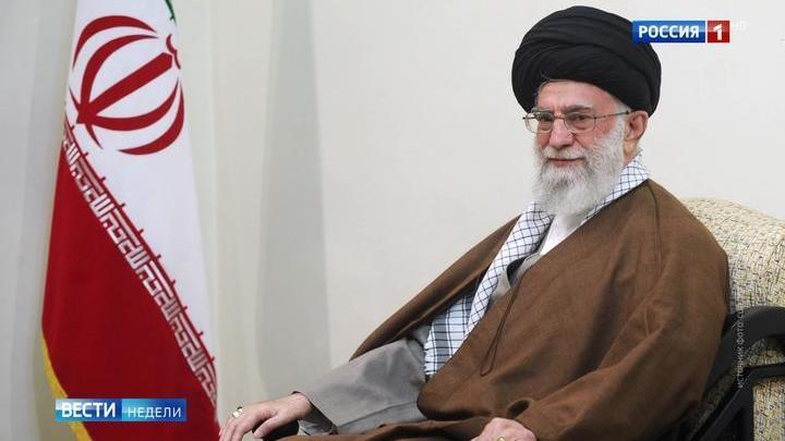 США подталкивают Иран к созданию ядерной бомбы