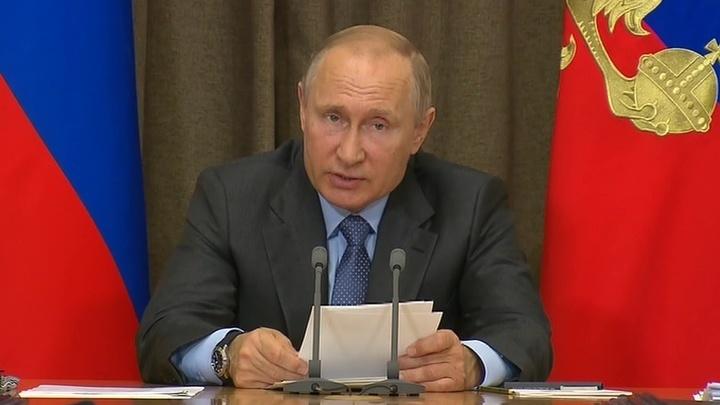"""Путин: российские корабли с """"Калибрами"""" должны находиться в Средиземном море постоянно"""