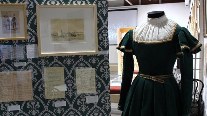 Костюм Альберта для балета «Жизель», заказанный М. Петипа 31 мая 1847 года в Париже перед отъездом в Россию. Реконструкция Т.Ногиновой.