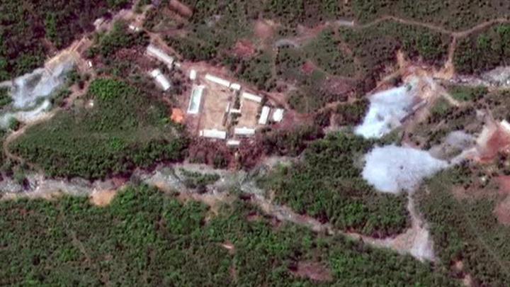 КНДР уничтожает ядерный полигон, США все равно недовольны