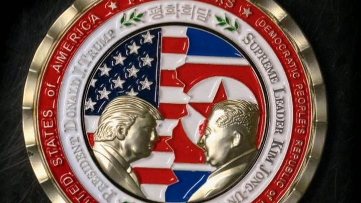 Кульбиты Трампа: от исторического саммита осталась только аляповатая монета