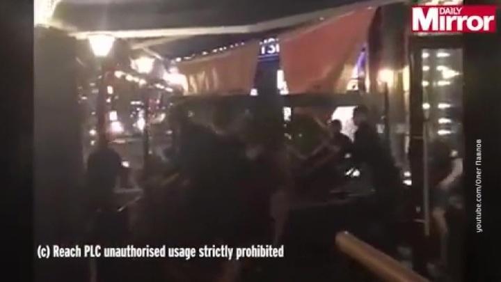 """Фанат """"Ливерпуля"""" рассказал об избиении стульями в киевском ресторане"""