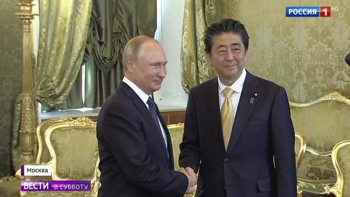 На Земле и в космосе: Путин и Абэ обсудили сотрудничество