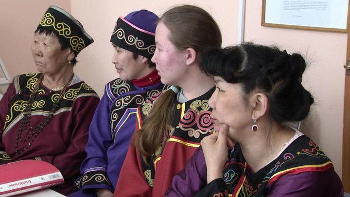 Законопроект об изучении национальных языков вызвал споры на региональном уровне