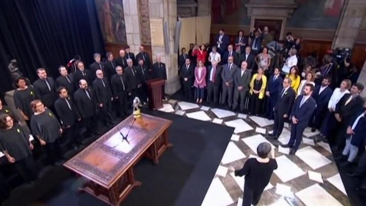 Новый кабмин Каталонии приведен к присяге: Торра предложил Санчесу переговоры