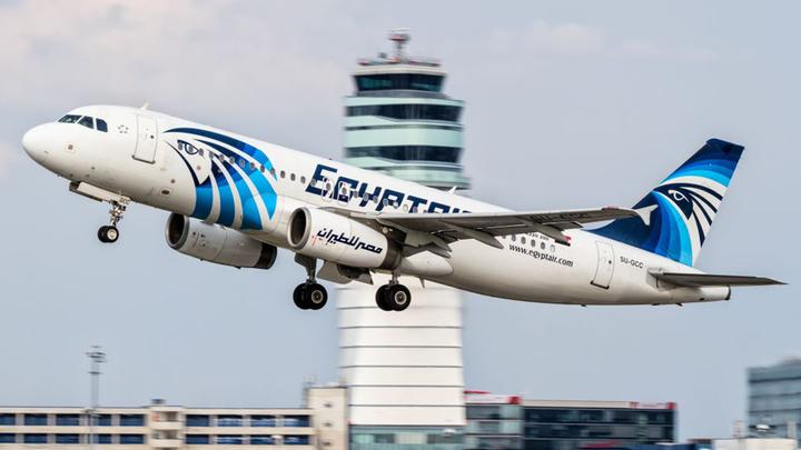 Самолет рейса Каир-Москва подал сигнал тревоги и экстренно вернулся в аэропорт