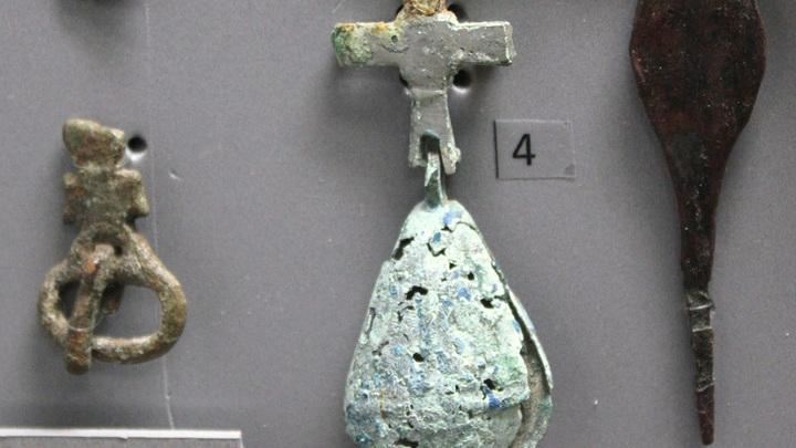 Готские и античные изделия III-VII веков: крест от четок. Находка 2017 года