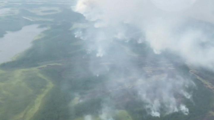 Природные пожары в Якутии будут тушить с помощью искусственного дождя