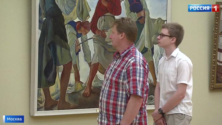 Черные экскурсоводы в храмах искусств: реальна ли угроза, и как с ней бороться