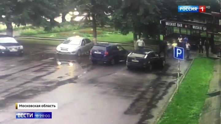В Подмосковье сотрудники ДПС впятером избили в баре оппонента до состояния комы