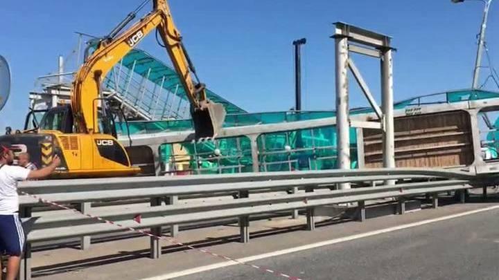 Ярославка поехала после нескольких часов коллапса, вызванного рухнувшим мостом