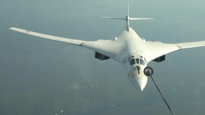 Учебный перелет российских стратегических бомбардировщиков. Видео Минобороны